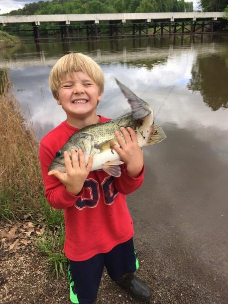 bass LMB big StevenPs son pond April 2017 pic1